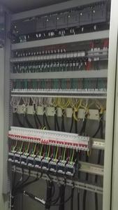 控制柜1.jpg